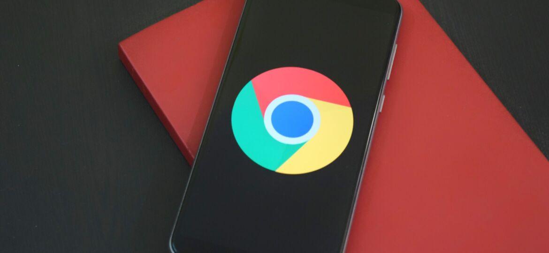 Smartphone displaying the Google logo